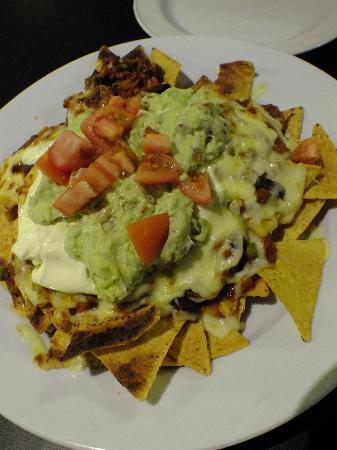 Four Elements Restaurant & Bar: Beef nachos