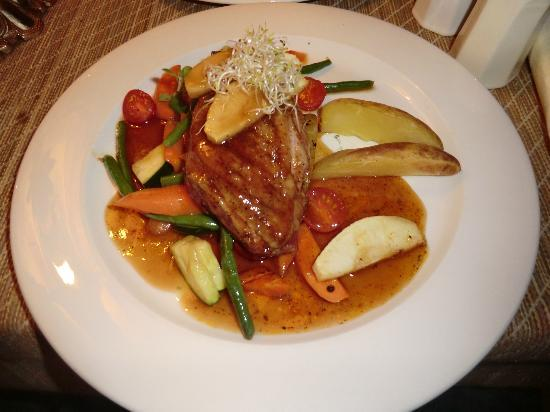 Von Krahli Aed: The duck main with a fruit sauce