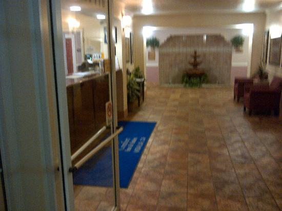 Comfort Inn & Suites: ingresso