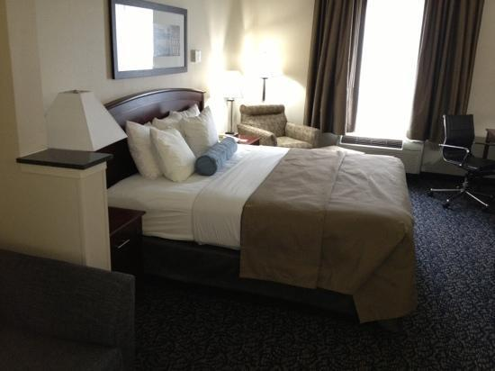 Comfort Inn: Second-floor room