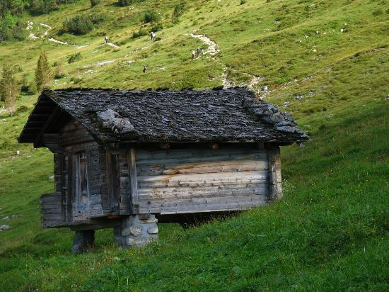 An old hut in Alpiglen