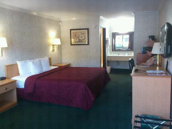 Comfort Inn Near Old Town Pasadena in Eagle Rock CA: kamer