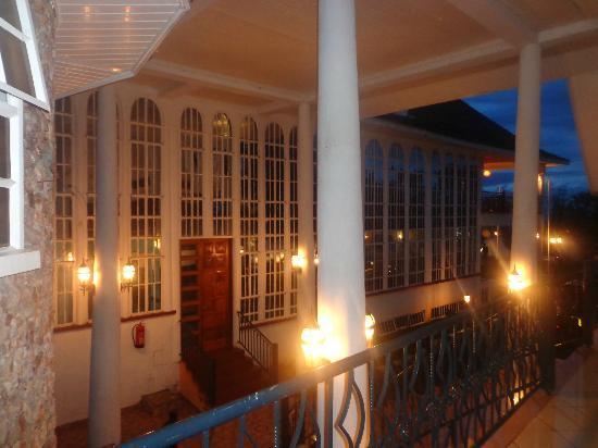 Sameta Lodges: Evening view