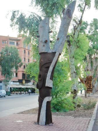 Arbres Sculptes: Masque africain