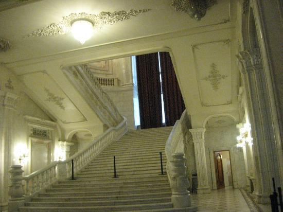 Palace of Parliament: Big stairway