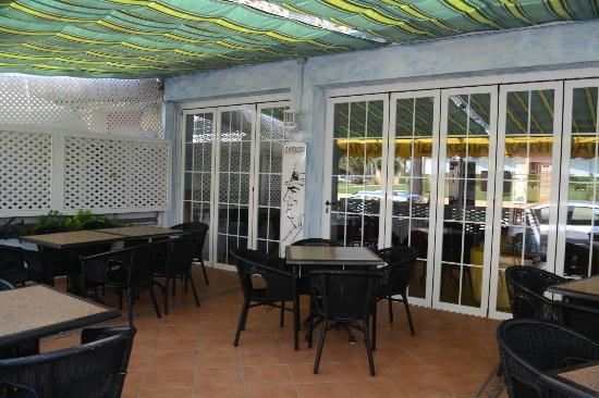 Caruso Restaurant Sa Coma : Outdoor seating area