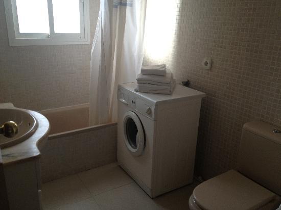 Apartamentos Priorat: Baño