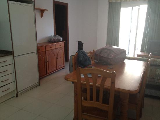 Apartamentos Priorat: Cocina-salon