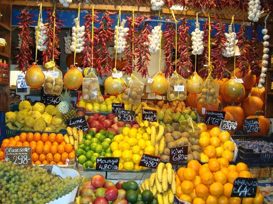 La Prima Fashion Hotel: Fruit and Paprika at The Market Hall