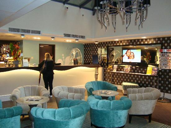 La Prima Fashion Hotel: Reception Area