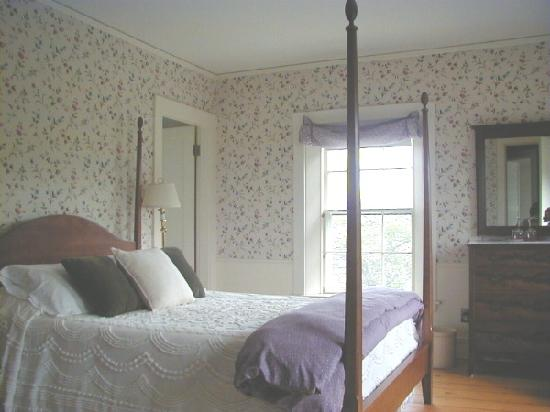 The Captain's Watch  Bed and Breakfast: Cupola East Bedroom east to water and access to cupola