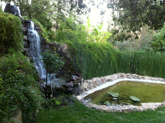 Ojai Retreat: By the Waterfall, a serene place to meditate