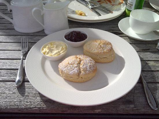 Mesmear: Cream Tea at Nathan Outlaw in nearby Rock
