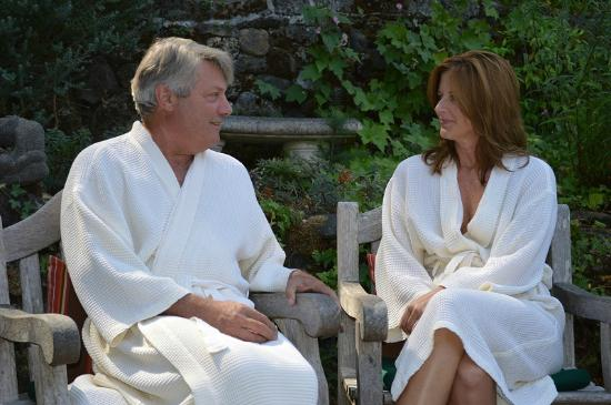Lavender Hill Spa: Relaxing together in the garden