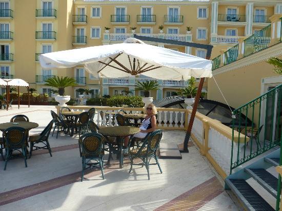 Grand Hotel la Pace: Patio