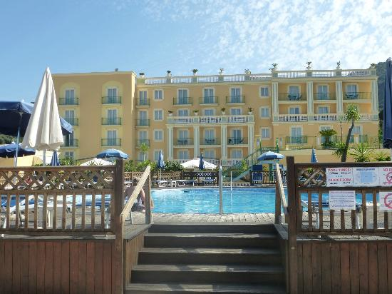 Grand Hotel la Pace: Front Hotel with Pool