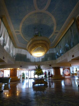 Grand Hotel la Pace: front Lobby Ceiling