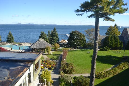 Holiday Inn Bar Harbor Regency: View of Grounds