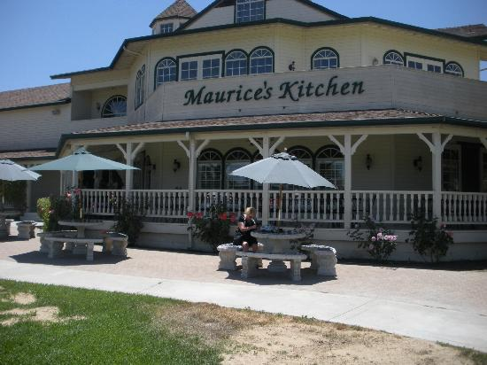 Maurice Car'rie Winery/Van Roekel Vineyards