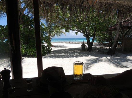 Makunudu Island: View