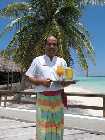 Makunudu Island: Bar