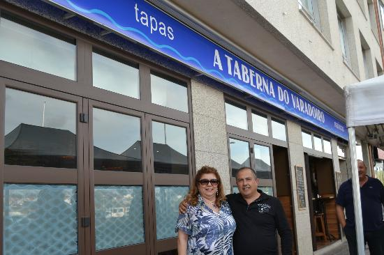 A Taberna do Varadoiro: A la puerta del restaurante