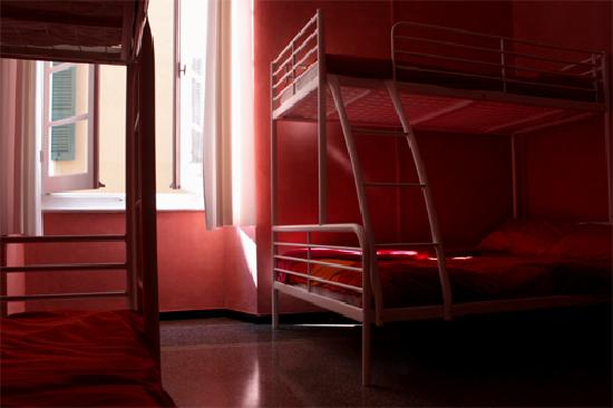 Manena Hostel : 5 bed dorm