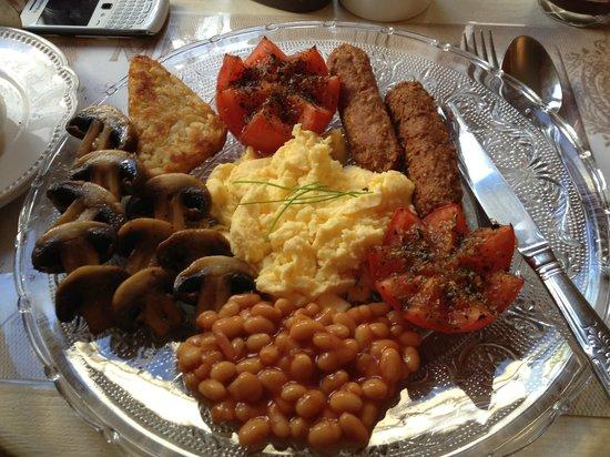 Brighton Marina House Hotel:                   Full vegetarian English breakfast ~ yum!
