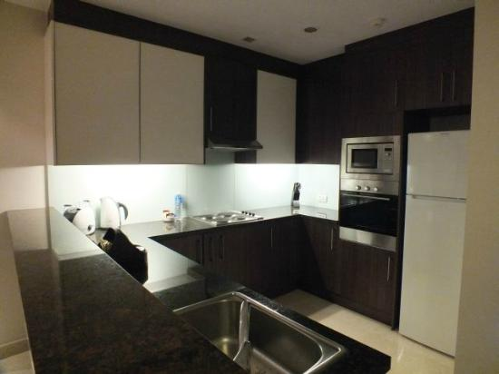 Oakwood Premier Prestige Bangalore: A very modern kitchen with all the latest appliances.