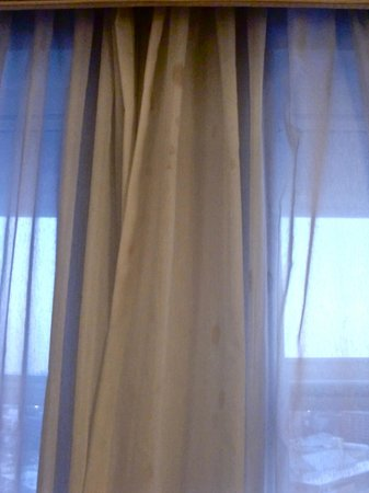 Omni Providence Hotel: stained curtain
