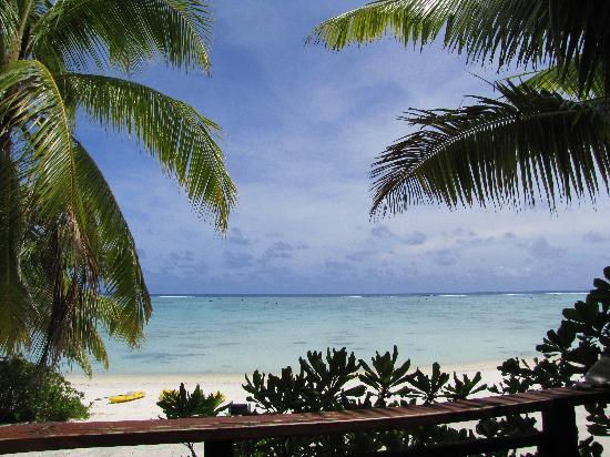 Aitutaki Seaside Lodges: View from deck