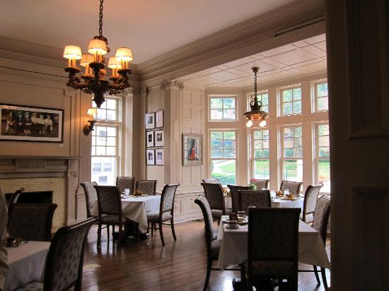 Mansions On Fifth Hotel: One of the dining rooms
