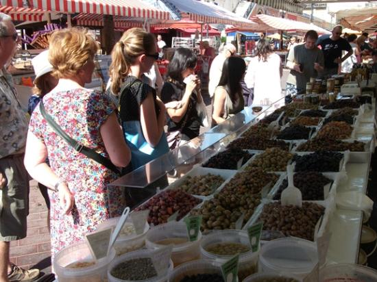 Les Petits Farcis : Start with a trip to market - Olives anyone?