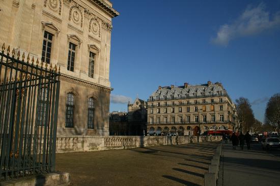 Hotel de la Place du Louvre - Esprit de France: View of bldg from side of Louvre