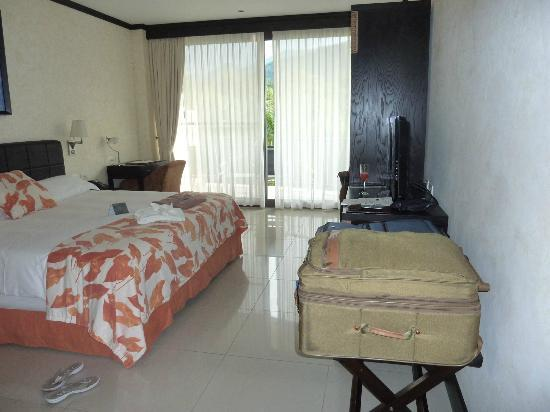 The Royal Corin Thermal Water Spa & Resort: hotel room
