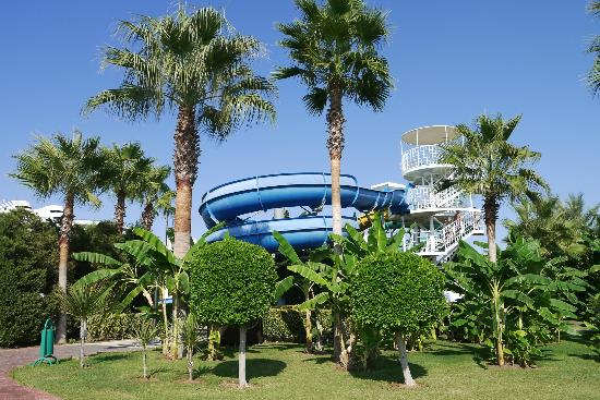 Miracle Resort Hotel: Pool slides