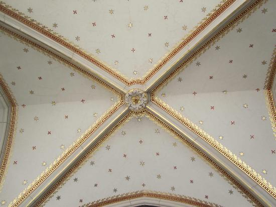 St. Wenceslas Cathedral: gold leafed ceiling in the main hall