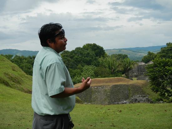 Belizean Dreams Resort: Bernard, the Mayan guide 