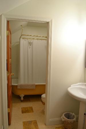 Olde Staunton Inn : Bathroom