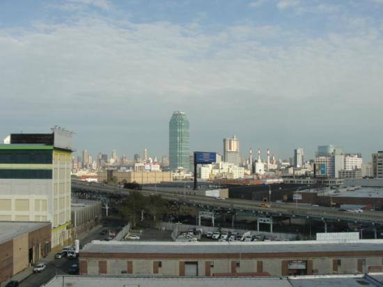 Fairfield Inn New York Long Island City / Manhattan View: View of Long Island City & the Expressway from the 9th floor