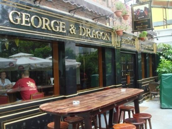 George & Dragon British Pub: George & Dragon_outside of the pub 2