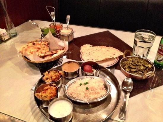 Masala Indian Cuisine: Delcious Indian Cuisine. Thali Dinner with Palak Paneer.