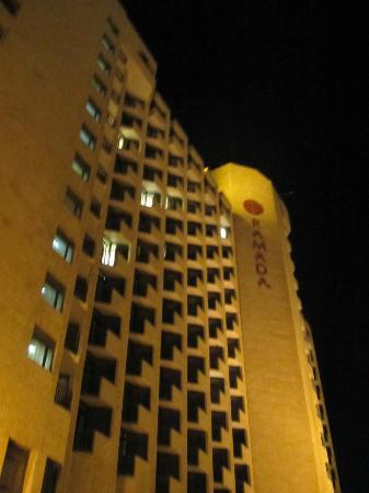 Ramada Jerusalem: Vista de noche 