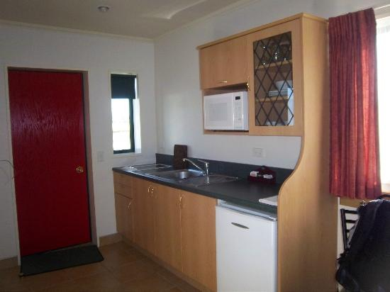 Aspen Court Motel - Twizel: Kitchenette