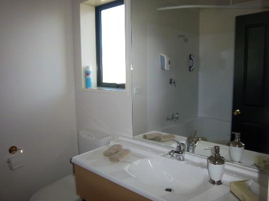Aspen Court Motel - Twizel: Bathroom