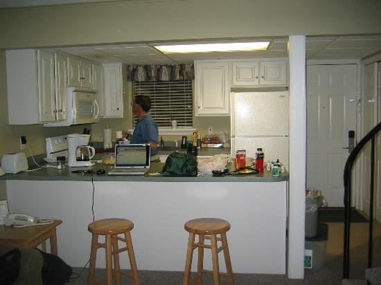 Tanglwood Resort: kitchen has everything you need