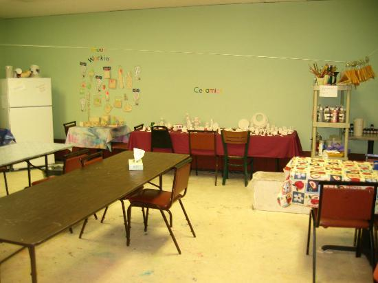 Tanglwood Resort: kids corner craftroom 4