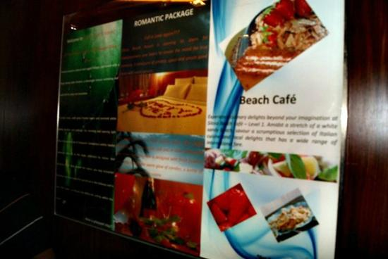 Siloso Beach Resort Sentosa: the beach cafe