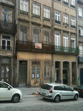 Hotel da Bolsa: view from front of hotel - very old town falling apart