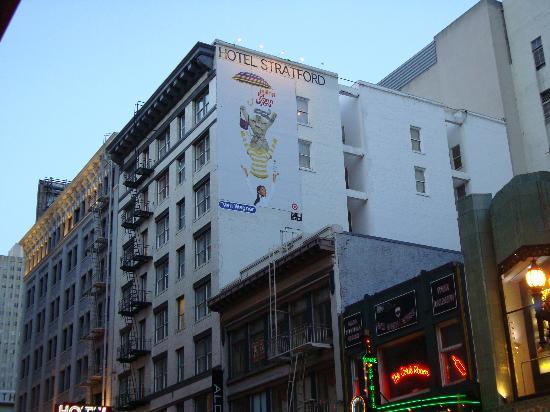 Hotel Stratford: building exterior